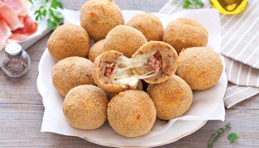 Polpette di pane con mozzarella e pancetta